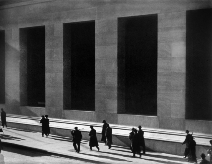 Paul_Strand,_Wall_Street,_New_York_City,_1915