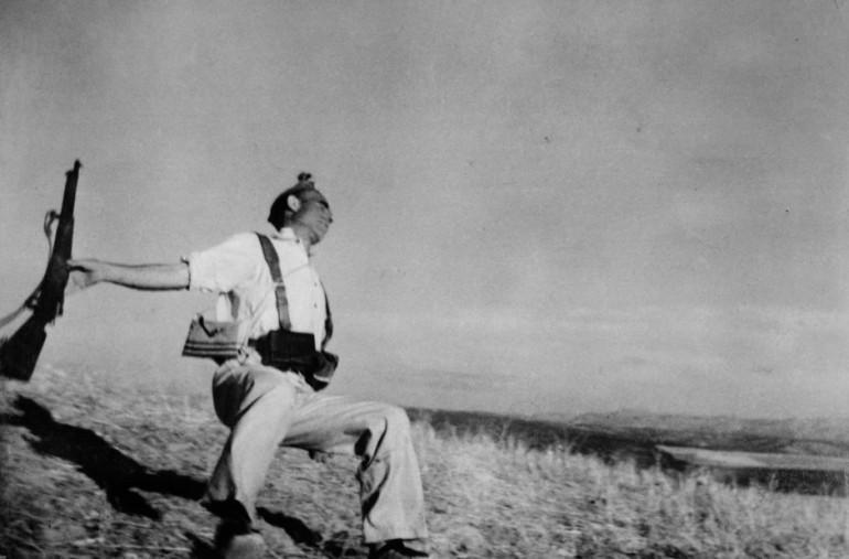 SPAIN. Cordoba front. Cerro Muriano. September, 1936. Death of a loyalist militiaman.