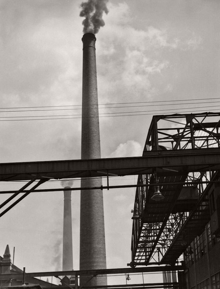 Long crane, tall chimeny, M.A.N. Works, Nürnberg, 1928