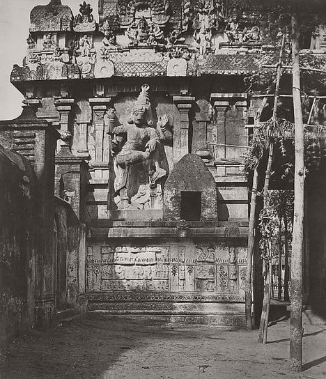 Linnaeus Tripe (British, Devonport (Plymouth Dock) 1822–1902 Devonport) Tanjore. Great pagoda, figure sculpted on the side of the [inner] gopurum., March–April 1858 Lightly albumenized Salted paper print; image: 34.3 × 29.4 cm (13 1/2 × 11 9/16 in.) page size: 56 × 43.7 cm (22 1/16 × 17 3/16 in.) The Metropolitan Museum of Art, New York, (LT.BL.12) http://www.metmuseum.org/Collections/search-the-collections/643454