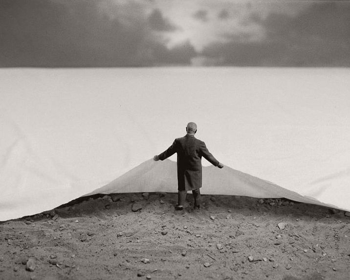 Gilbert-Garcin-French-Conceptual-01