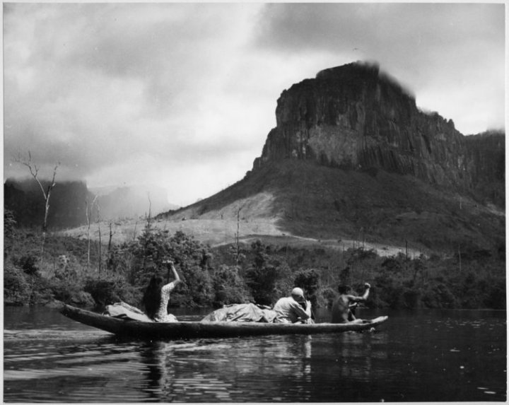 """â€œCuriara"""" in the Río Carrao on its way to Angel Falls"""